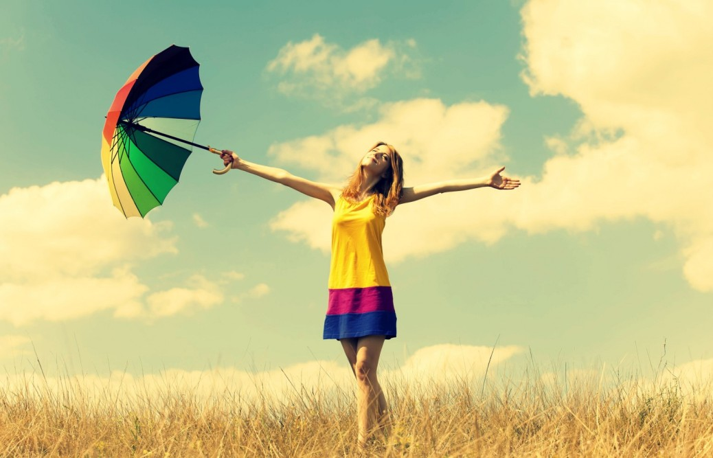 mood_girl_dress_color_hands_smile_summer_umbrella_umbrella_happiness_freedom_freedom_openness_warmth_plants_nature_field_sun_sky_clouds_background_freedom_3902x2508